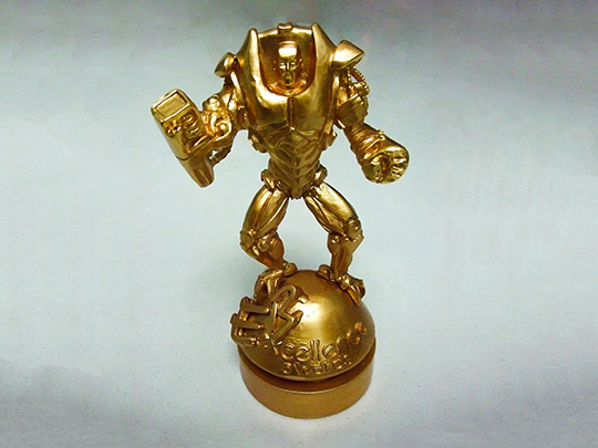 metal-material-gold-silver-award-gift-trophy-example-1