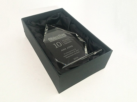 presentation-box-colour-lid-award-gift-trophy-example-1