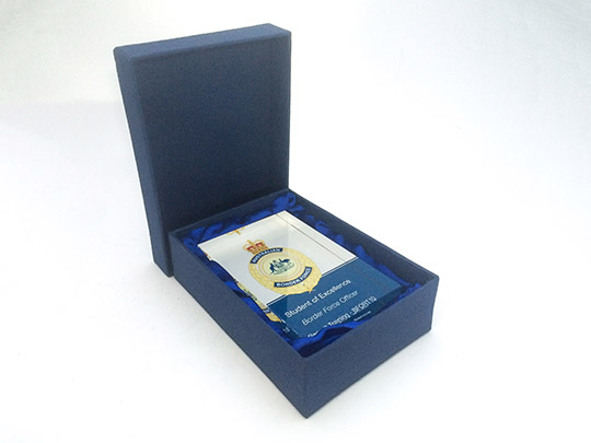 presentation-box-colour-lid-award-gift-trophy-example-3