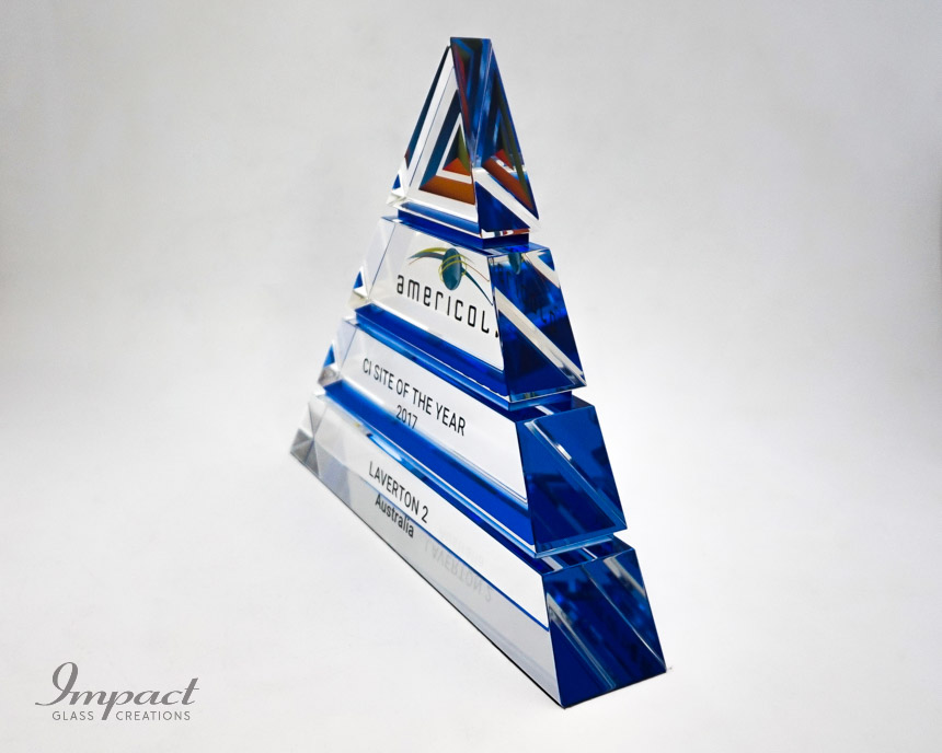 americold-tierd-triangle-pyramid-blue-crystal-glass-print-engaving-award-trophy-2