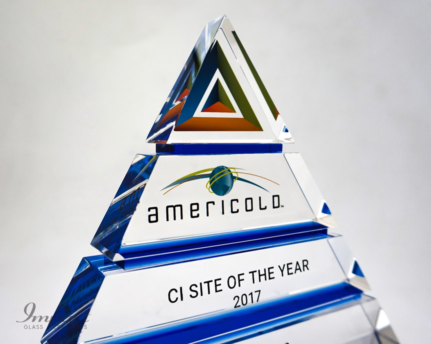 americold-tierd-triangle-pyramid-blue-crystal-glass-print-engaving-award-trophy-3
