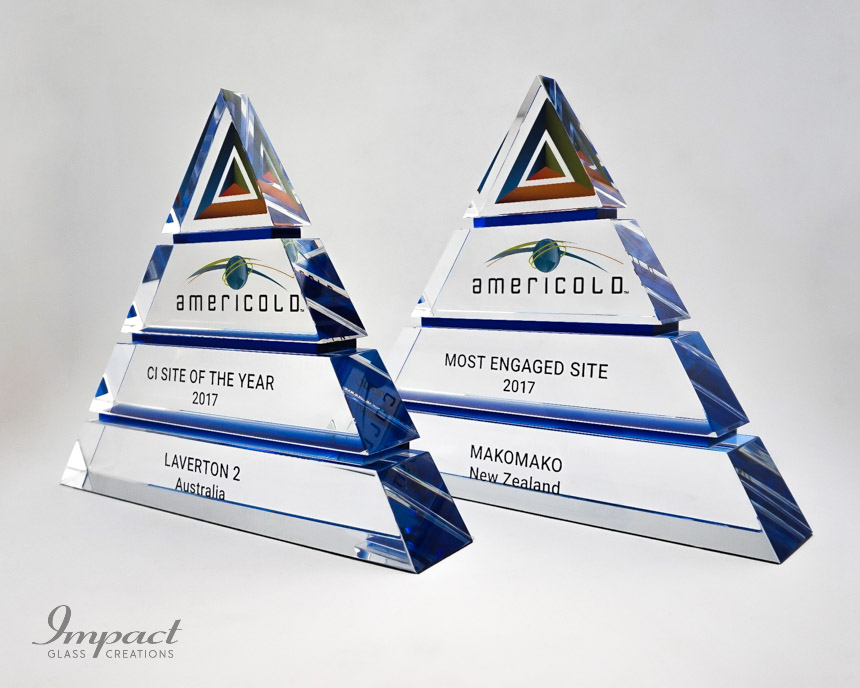 americold-tierd-triangle-pyramid-blue-crystal-glass-print-engaving-award-trophy-4