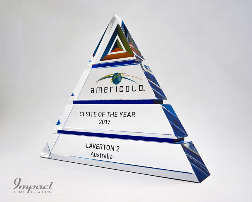americold-tierd-triangle-pyramid-blue-crystal-glass-print-engaving-award-trophy