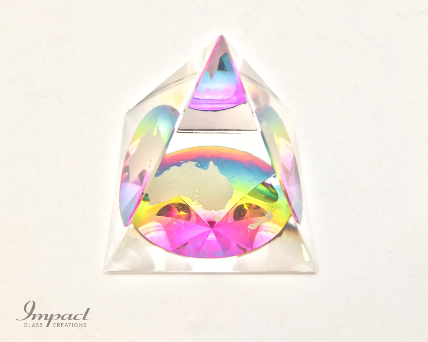 australia-rainbow-colour-glass-crystal-pyramid-paperweight-gift-1