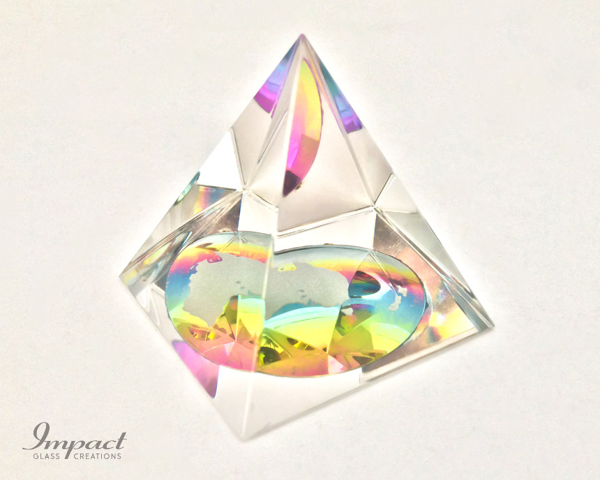 australia-rainbow-colour-glass-crystal-pyramid-paperweight-gift-3