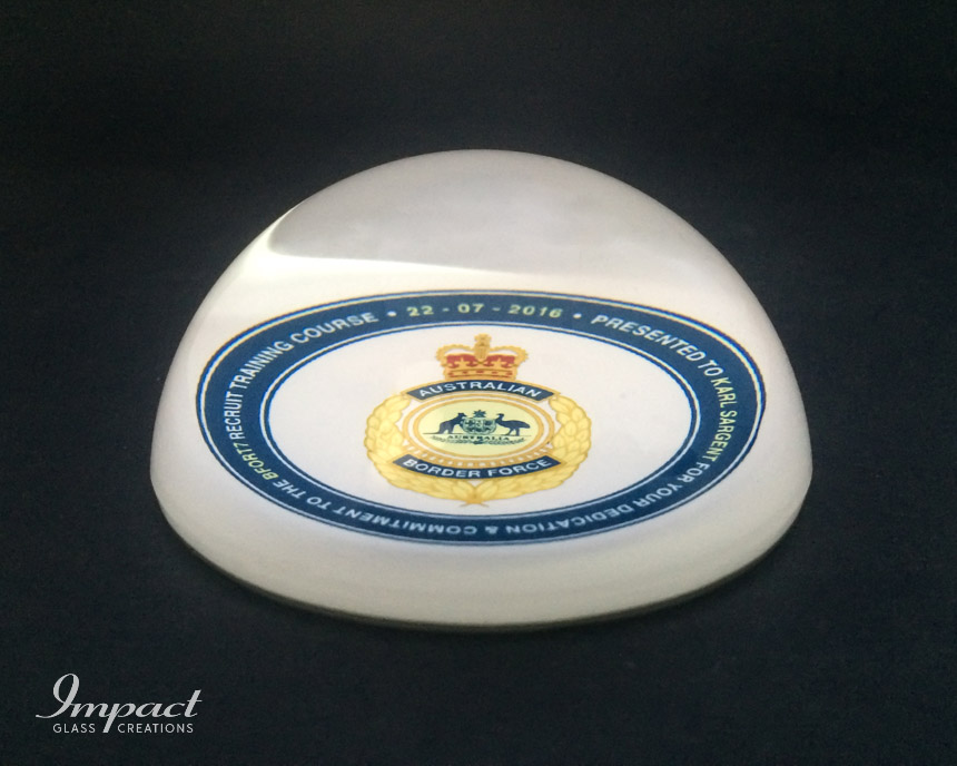 australian-border-force-printed-crystal-glass-dome-paperweight-gift