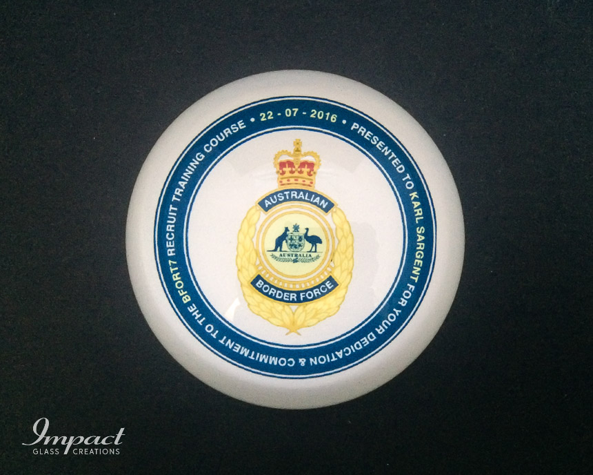 australian-border-force-printed-crystal-glass-dome-paperweight-gift-2