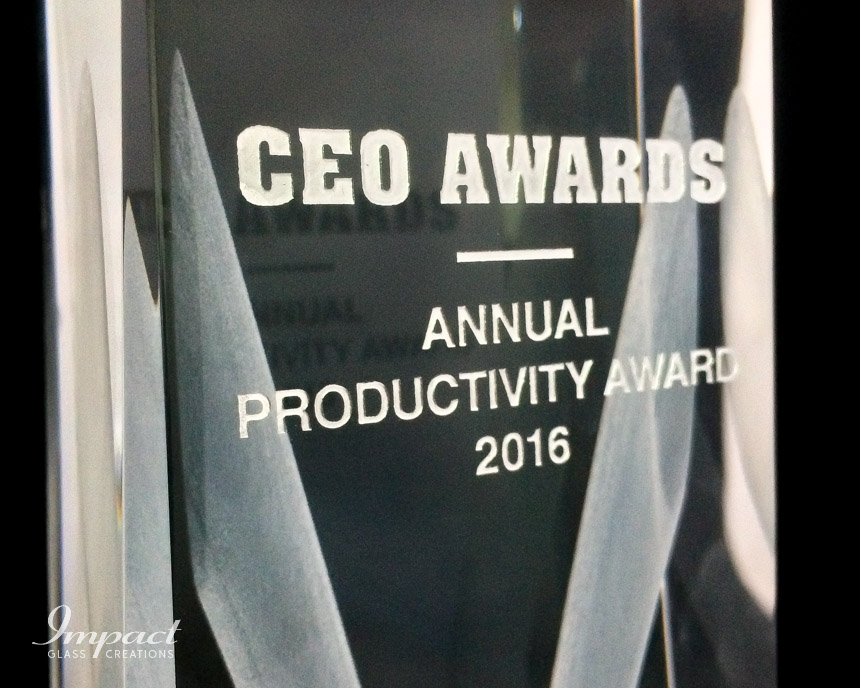 ceo-awards-crystal-trophy-engraving-3d-lasered-3