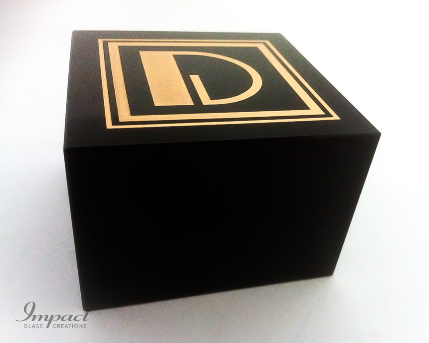 dorology-black-crystal-paperweight-gold-colour-fill-engraved-2