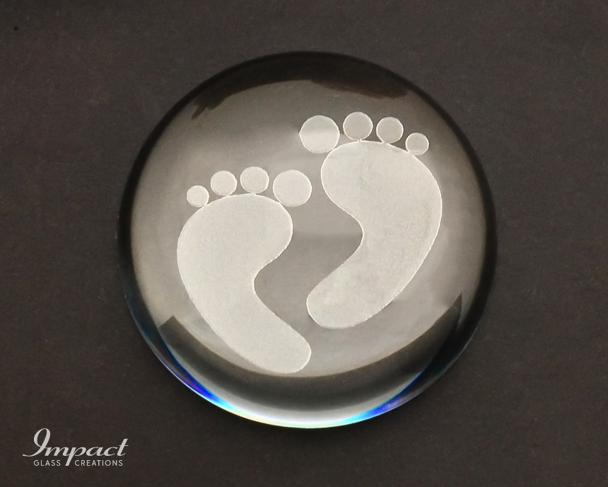 feet-deep-etched-engraved-glass-crystal-dome-magnified-paperweight-2