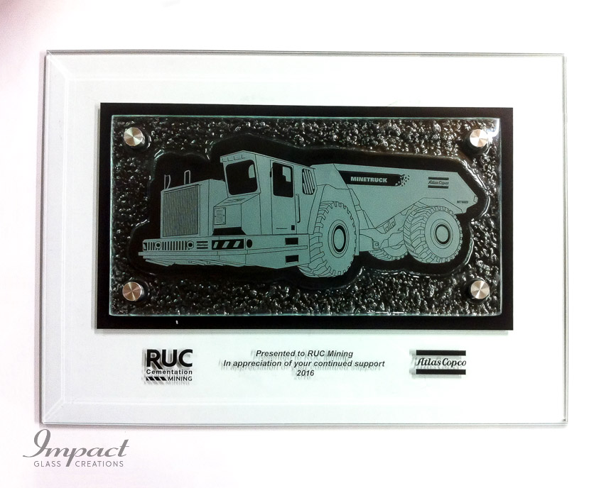 mt6020-mine-truck-atlas-copco-slumped-glass-etched-engraved-black-fill-plaque-1