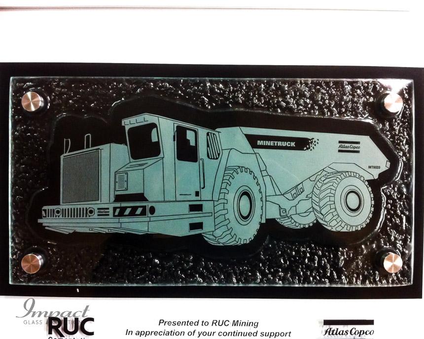 mt6020-mine-truck-atlas-copco-slumped-glass-etched-engraved-black-fill-plaque-2