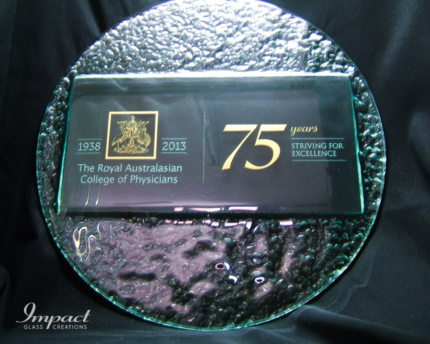 royal-college-physicians-75-years-slumped-textured-glass-plaque-circle-gift