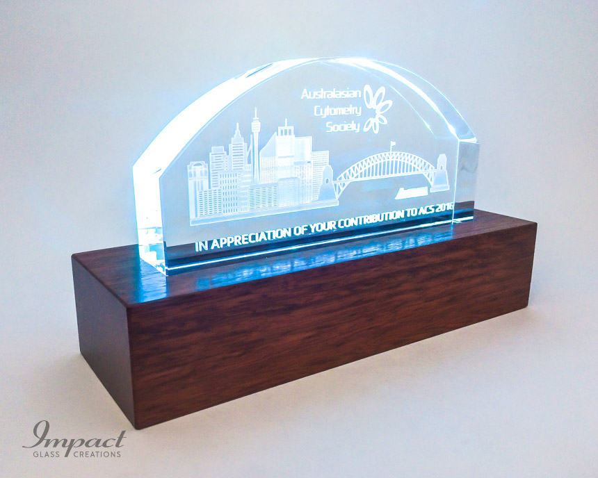 australian-cytometry-society-crystal-glass-gift-coloured-led-light-wooden-timber-base-1