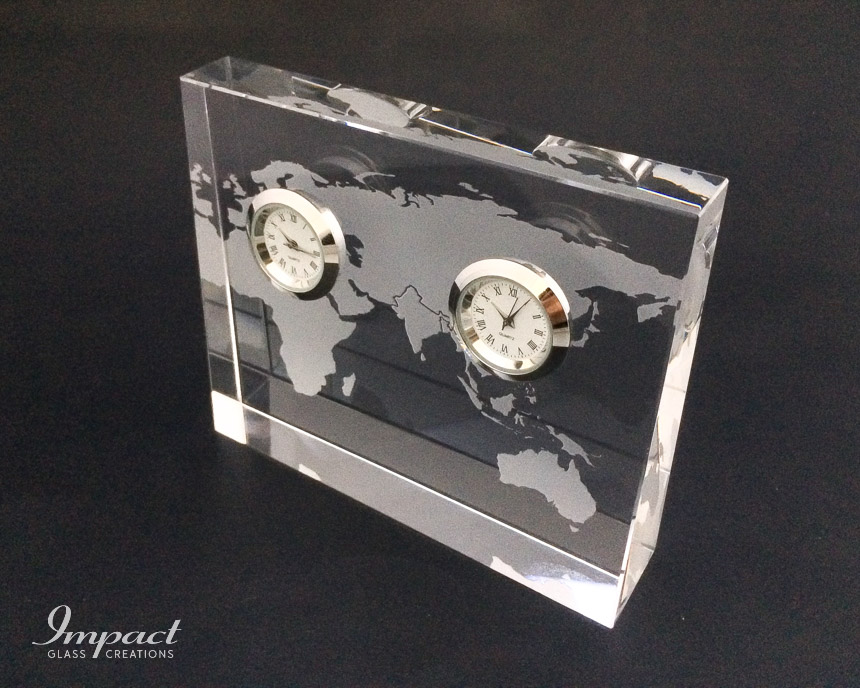 double-silver-clock-world-map-engraved-etched-crystal-glass-wedge-gift-paperweight-2