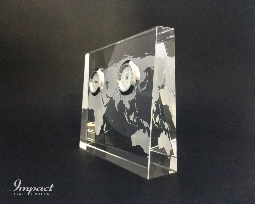 double-silver-clock-world-map-engraved-etched-crystal-glass-wedge-gift-paperweight-3
