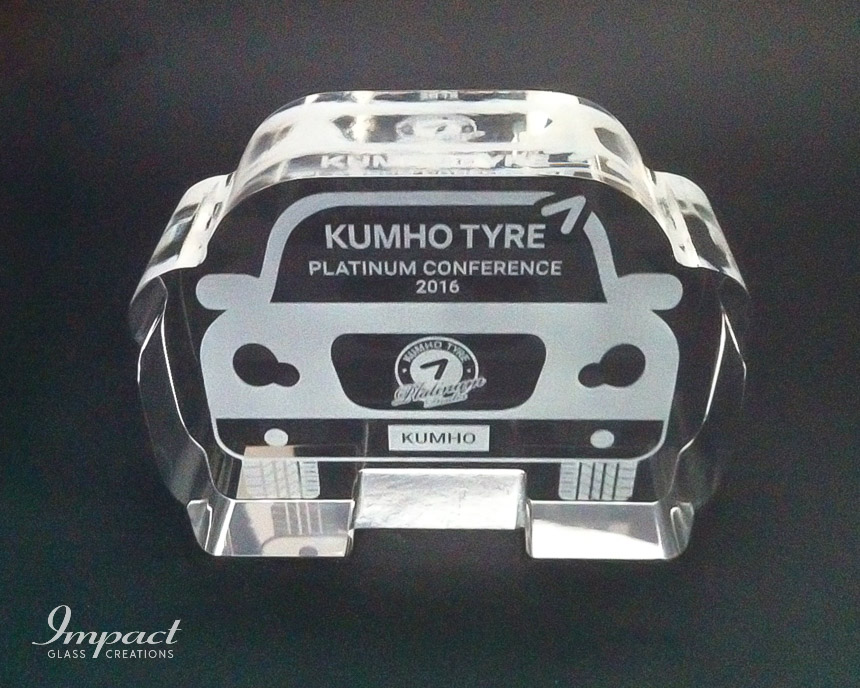 kumho-tyre-cut-crystal-glass-conference-gift-car-paperweight-engraved-1