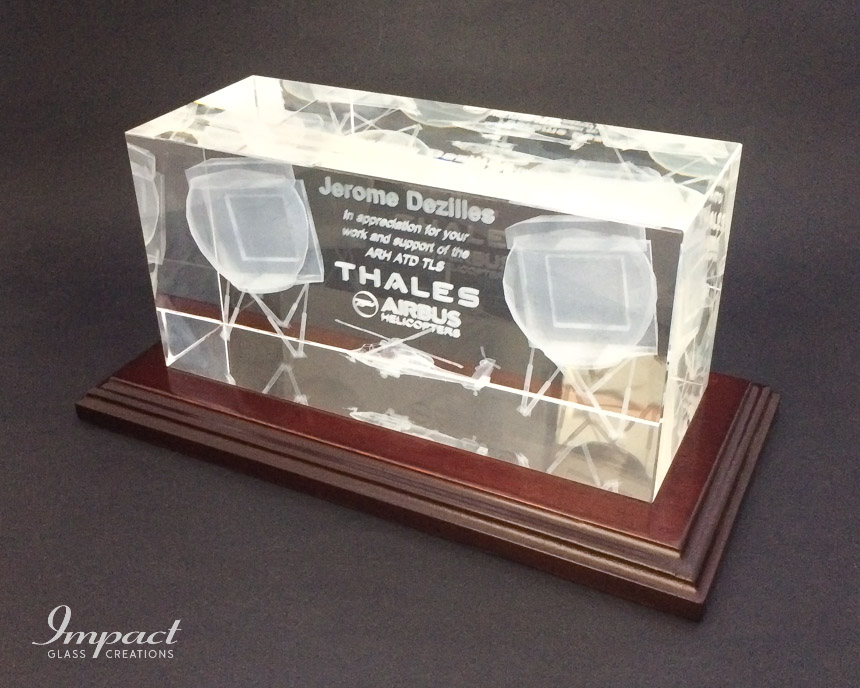 thales-appreciation-gift-glass-crystal-wooden-base-laser-engraved-3