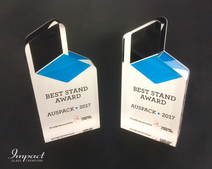 best-stand-award-exhibitions-and-trade-fair-cut-crystal-glass-logo-colour-print-trophy-3