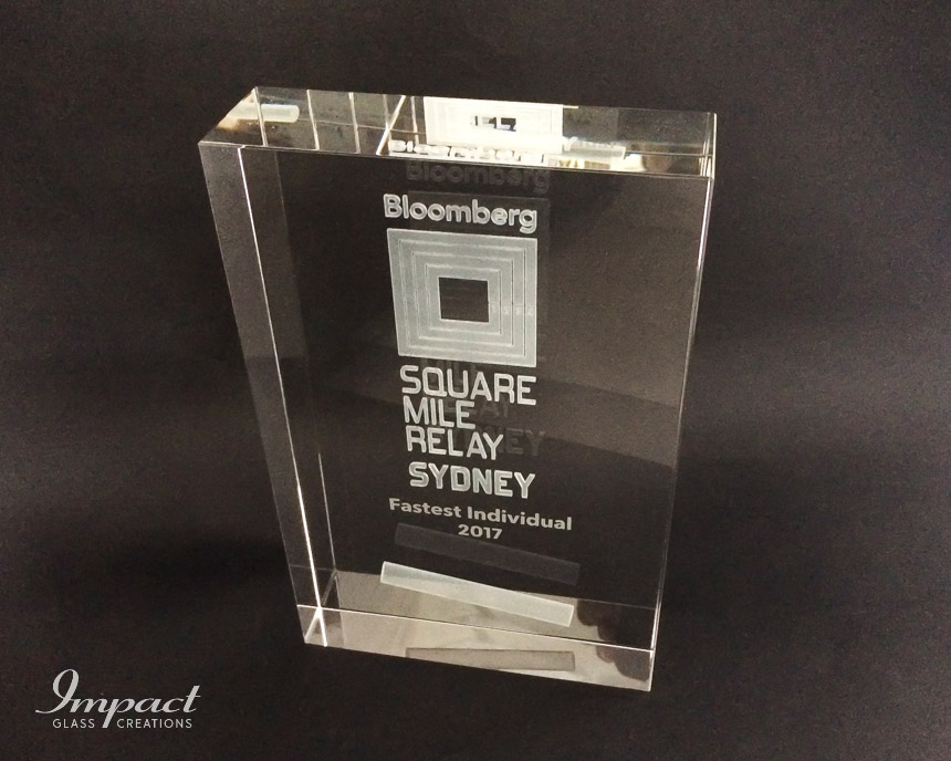 bloomberg-relay-award-trophy-crystal-glass-laser-engraved-competition-2