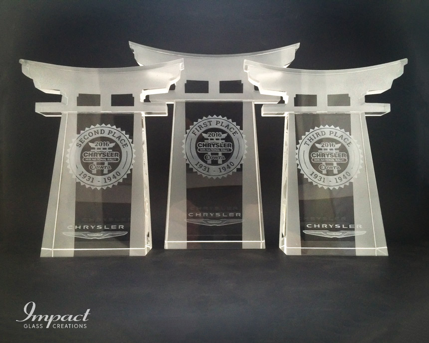 chrysler-rally-crystal-glass-cut-trophy-award-competition-laser-engraved-2
