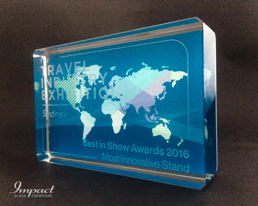 travel-exhibition-award-trophy-glass-crystal-colour-print-engraved