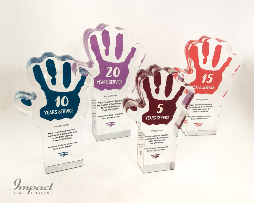 early-learning-center-crystal-glass-hand-service-award-trophy-colour-print-1
