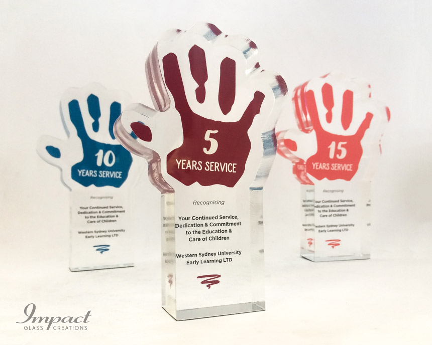 early-learning-center-crystal-glass-hand-service-award-trophy-colour-print-2