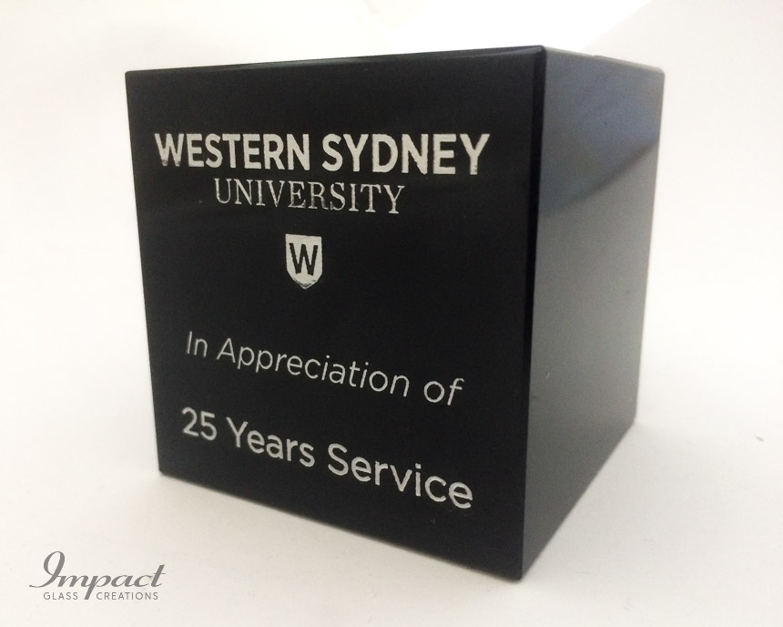 western-sydney-uni-uws-service-award-gift-engraved-laser-crystal-glass-5
