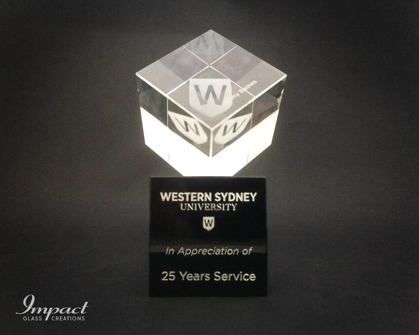 western-sydney-uni-uws-service-award-gift-trophy-engraved-laser-crystal-glass-2