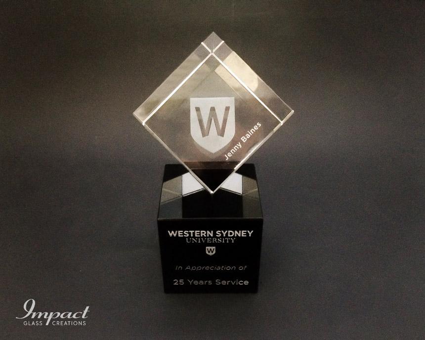 western-sydney-uni-uws-service-award-gift-trophy-engraved-laser-crystal-glass-3