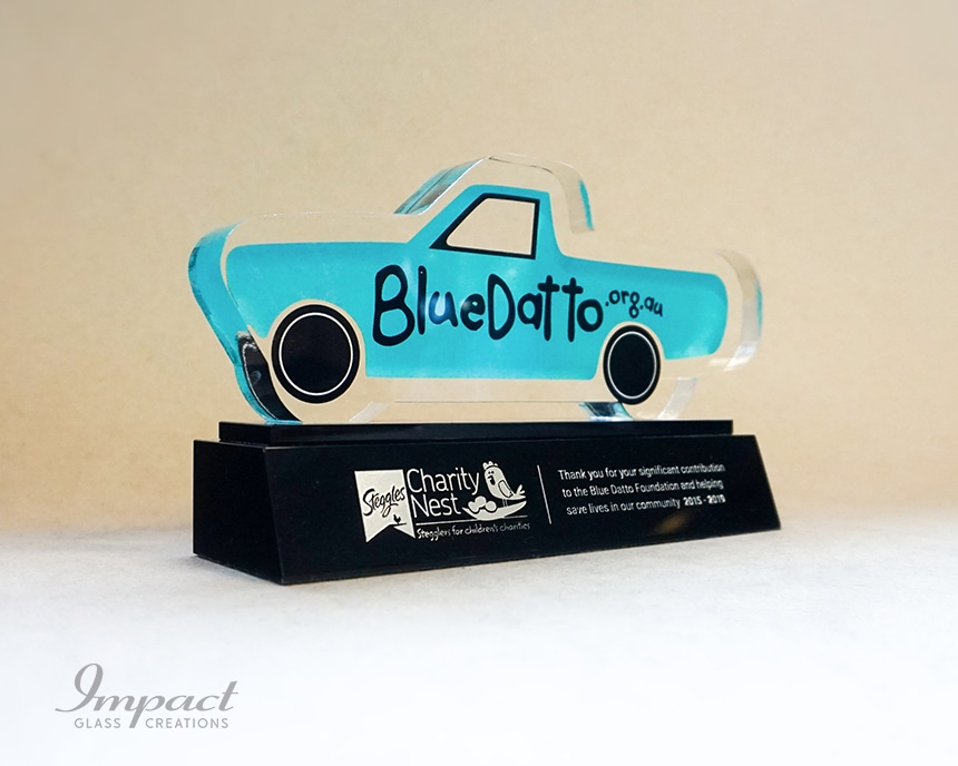 blue-datto-car-shaped-sponsor-award-2