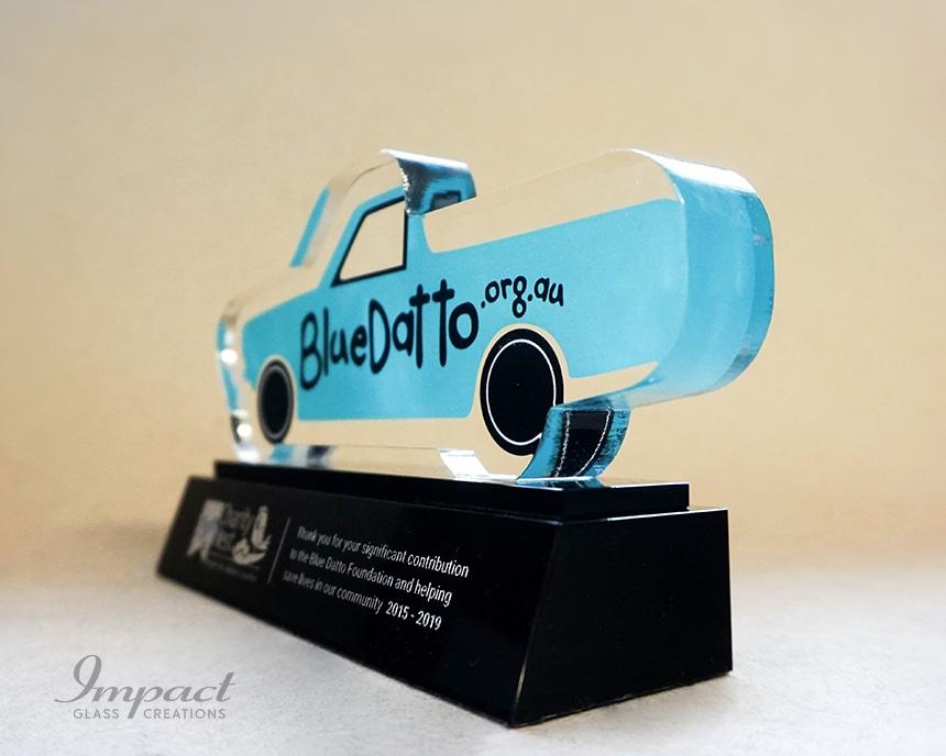 blue-datto-car-shaped-sponsor-award-3