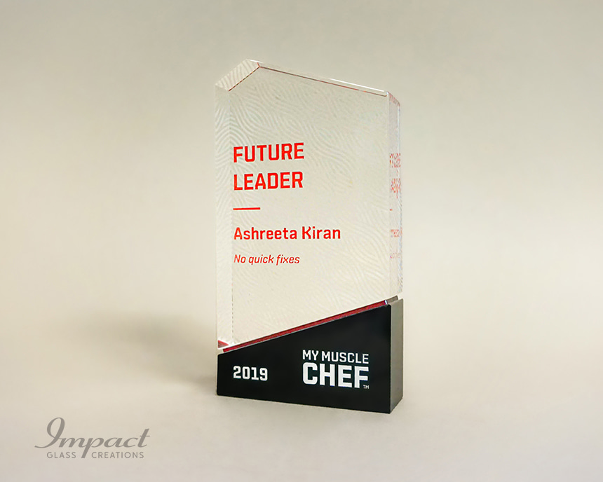 muscle-chef-custom-crystal-recogniton-trophies-2-min