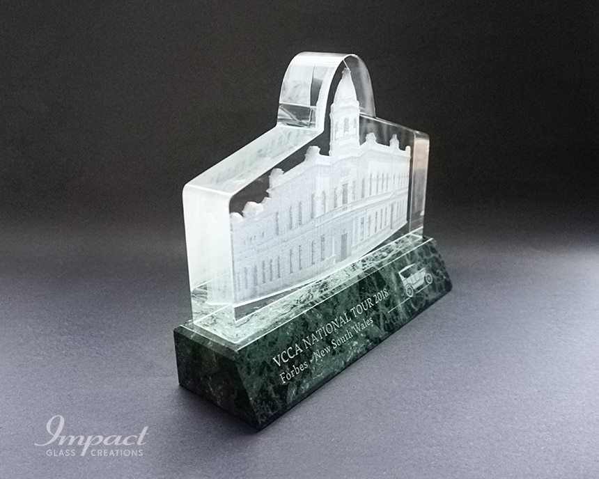 vcca-town-hall-building-shaped-crystal-award-gift-4-min